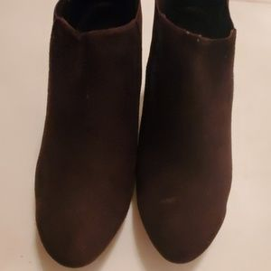 Vaneli Brown Suede Ankle Boots 8M